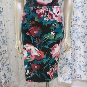 Silhouette Nyc XL Floral Stretchy Skirt